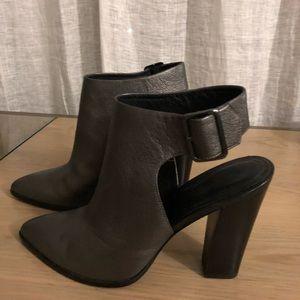 Pour La Victoire shoes sz 9 1/2